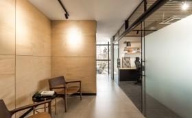 砖墙和玻璃,办公室装修选用哪一种材料做隔断好?